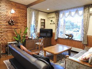 ASAHIKAWA BIG LODGE 7 PEOPLE! FREE CAR SPACE!