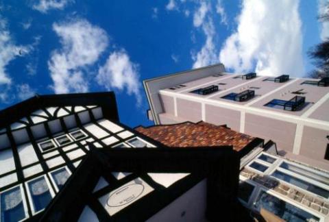 Madarao Lainstons Hotel