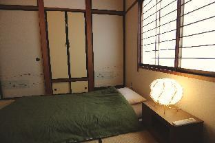 Private Japanese room shared bathroom and Kitchen
