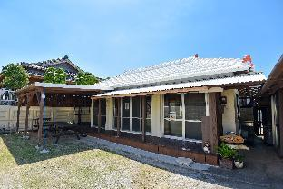 Okinawa traditional house renovated in quiet area!